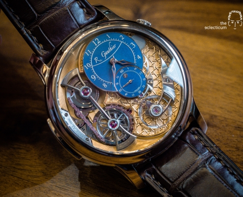 Some snapshots and brief thoughts about the ´Logical One – Byzantine` (unique piece) from Romain Gauthier, a masterpiece on many levels showcasing several crafts at their best. Enamel by Anita Porchet
