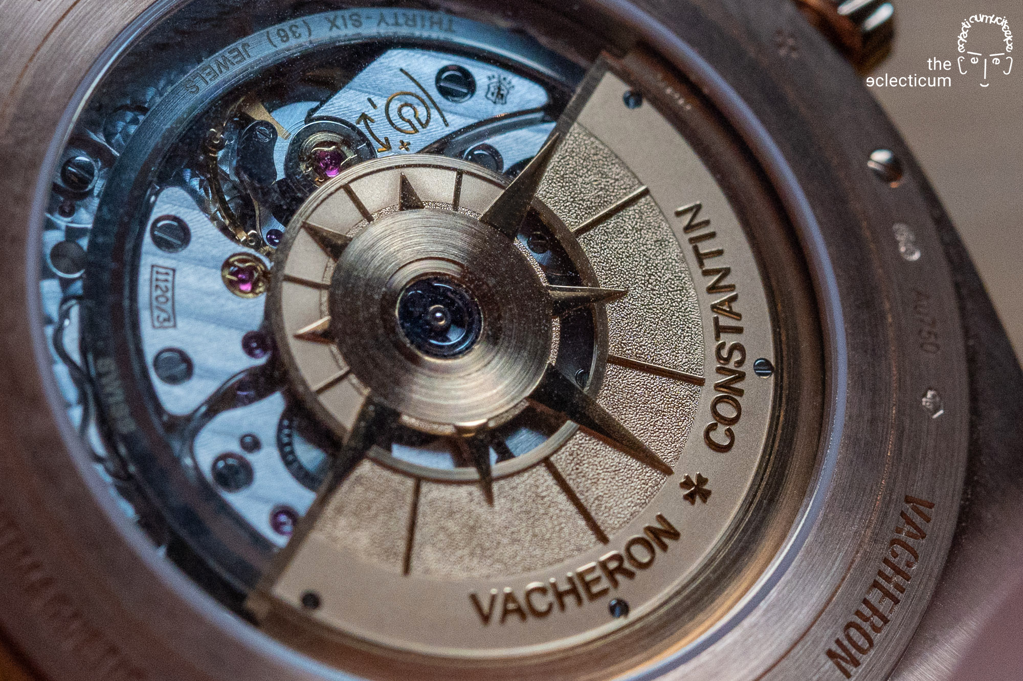 Hands-on: Some snapshots and brief impressions about the ´Overseas Perpetual Calendar Ultra-Thin` from Vacheron Constantin, a charming piece on the outside and a masterpiece on the inside.