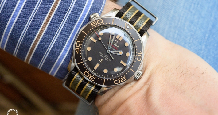 Omega Seamaster Diver 300M 007 James Bond No Time to Die Edition Titanium Grade 2 NAIAD LOCK-System METAS certified Co‑Axial Master Chronometer Calibre 8806 NATO strap military timepiece double-0 agents Bond-Factor NATO strap wristshot