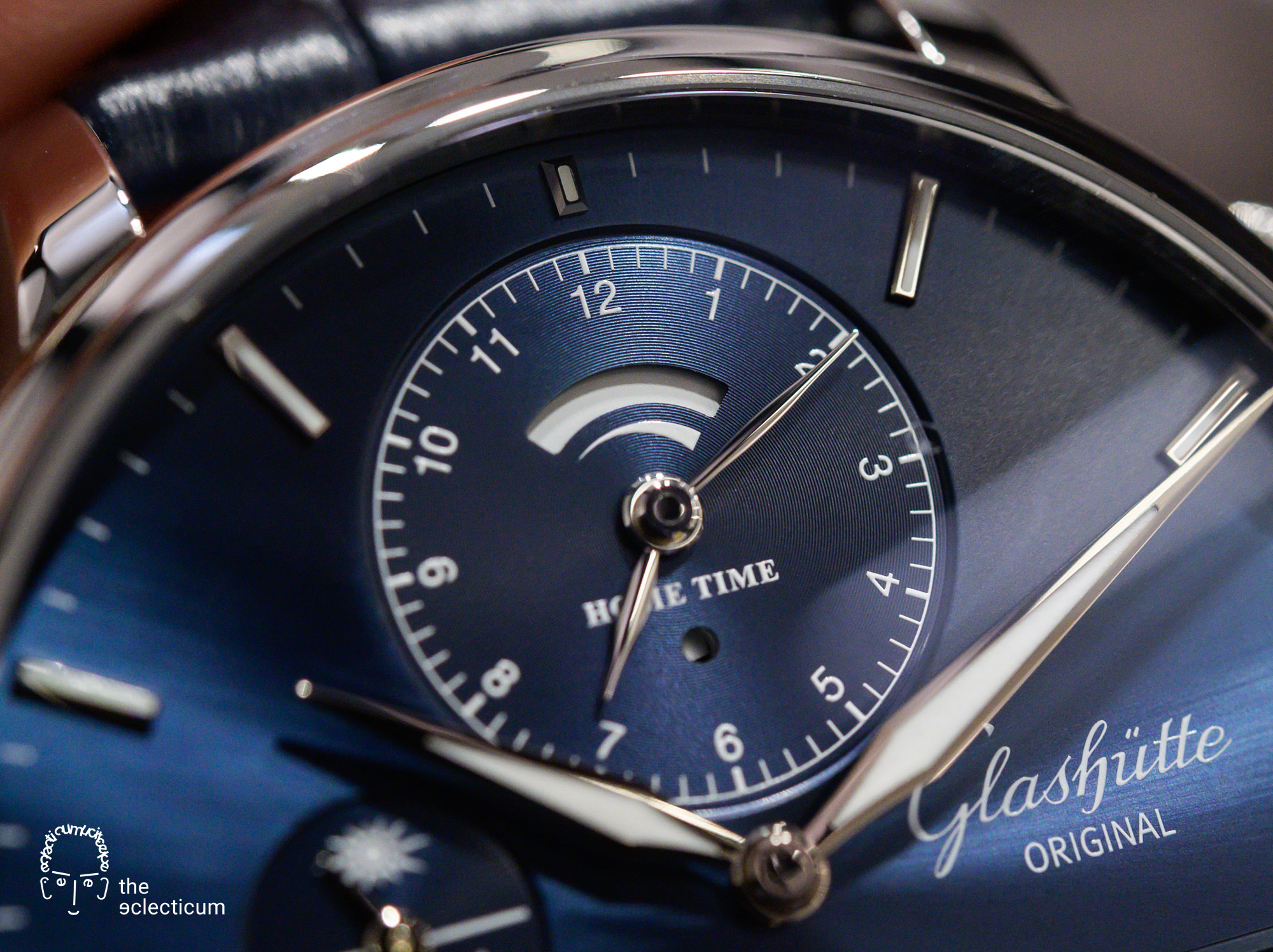 Glashütte Original Senator Cosmopolite Blue world time travel watch dial detail