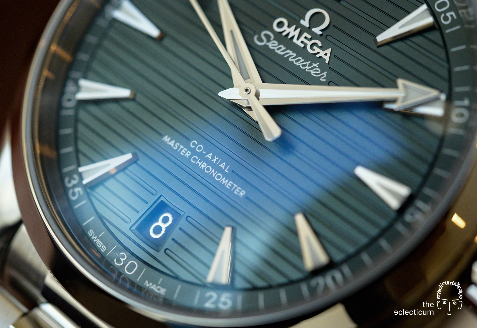 OMEGA Seamaster Aqua Terra green dial detail
