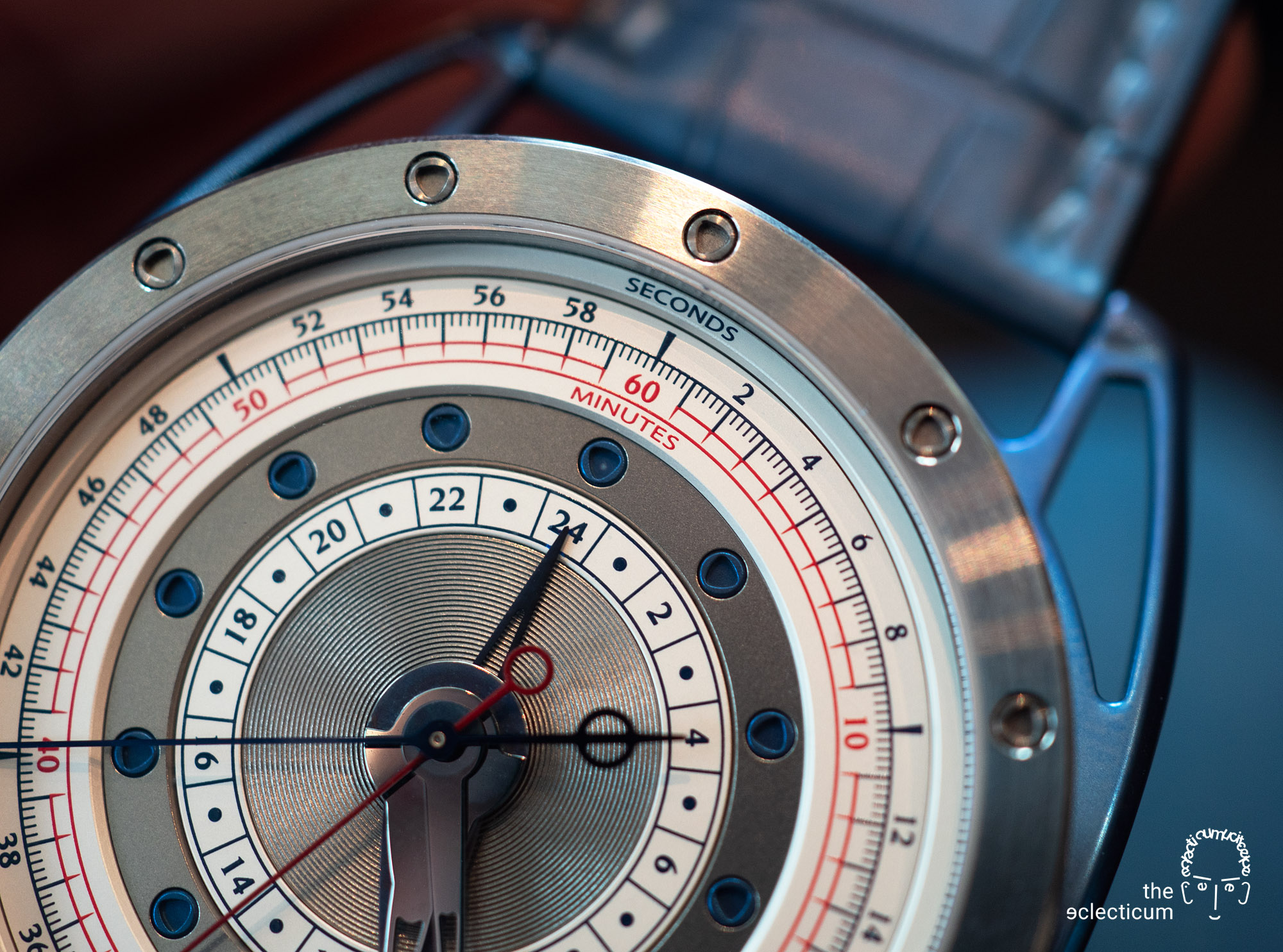 De Bethune DB21RE MaxiChrono Reedition chronograph central stack manufacture dial