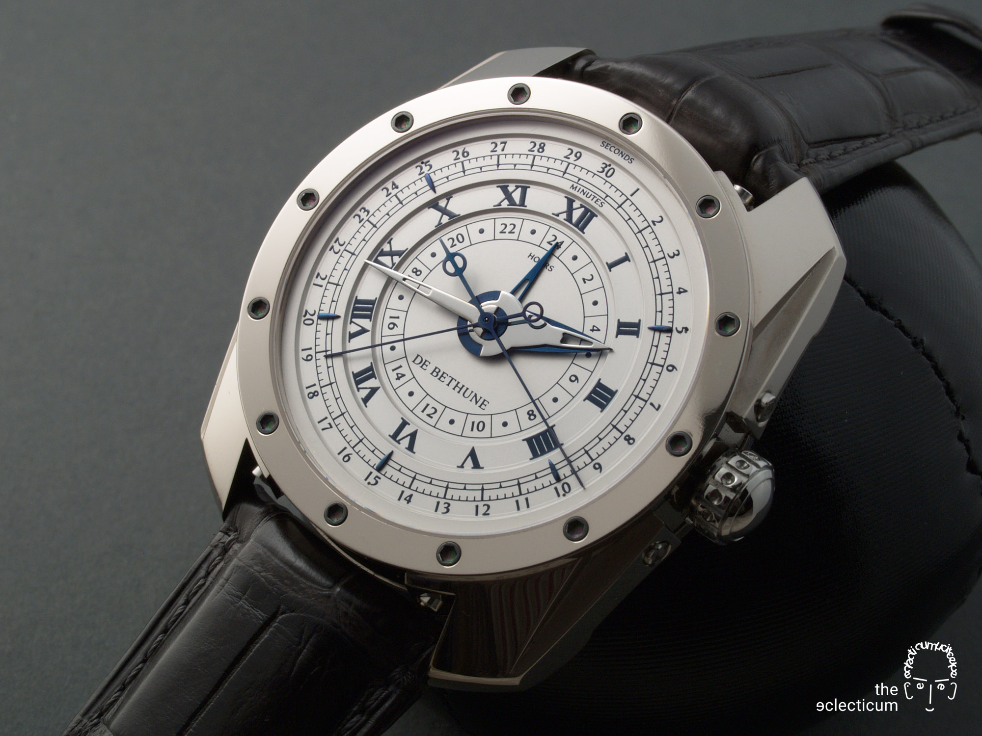 De Bethune DB21 MaxiChrono chronograph central stack manufacture